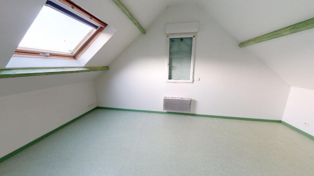 Location Appartement 3 pièces à Saint-Jean-les-Deux-Jumeaux - vignette-4