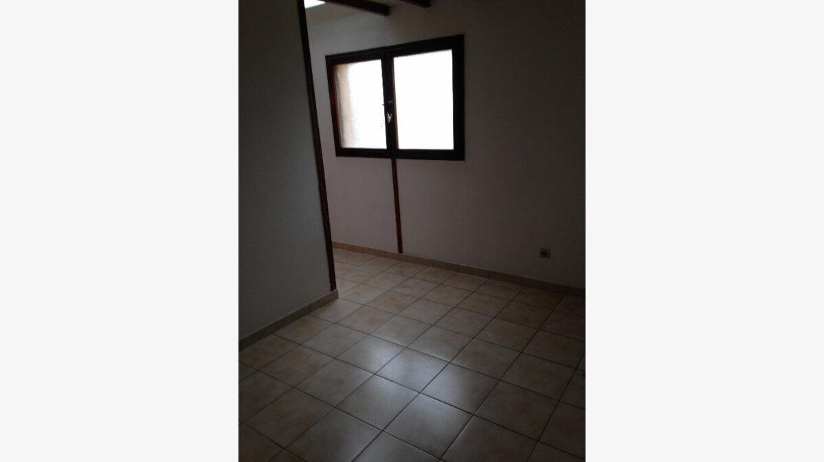 Location Appartement 1 pièce à Fontenay-Trésigny - vignette-1