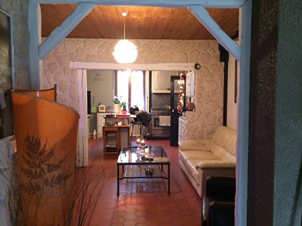 Achat Maison 4 pièces à Saint-Cyr-sur-Morin - vignette-3