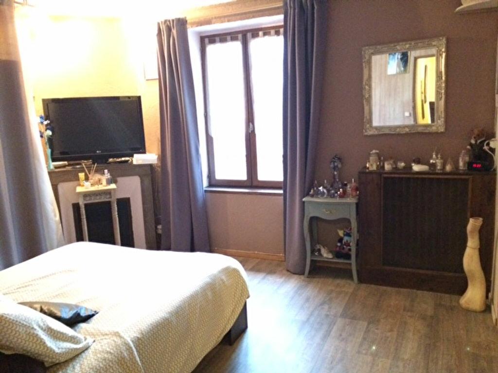 Achat Maison 4 pièces à Saint-Cyr-sur-Morin - vignette-4