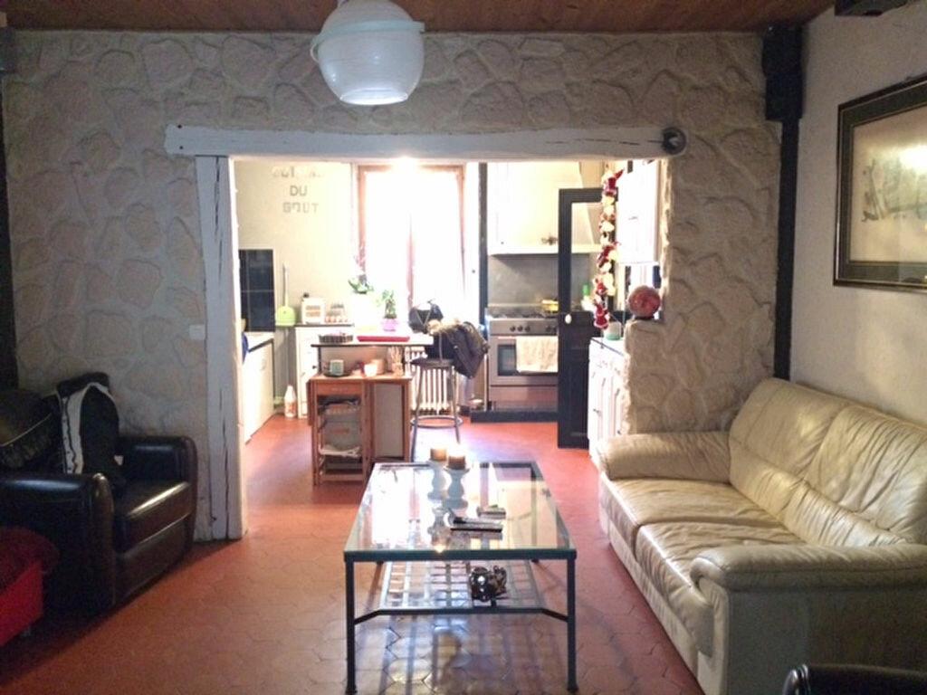 Achat Maison 4 pièces à Saint-Cyr-sur-Morin - vignette-6