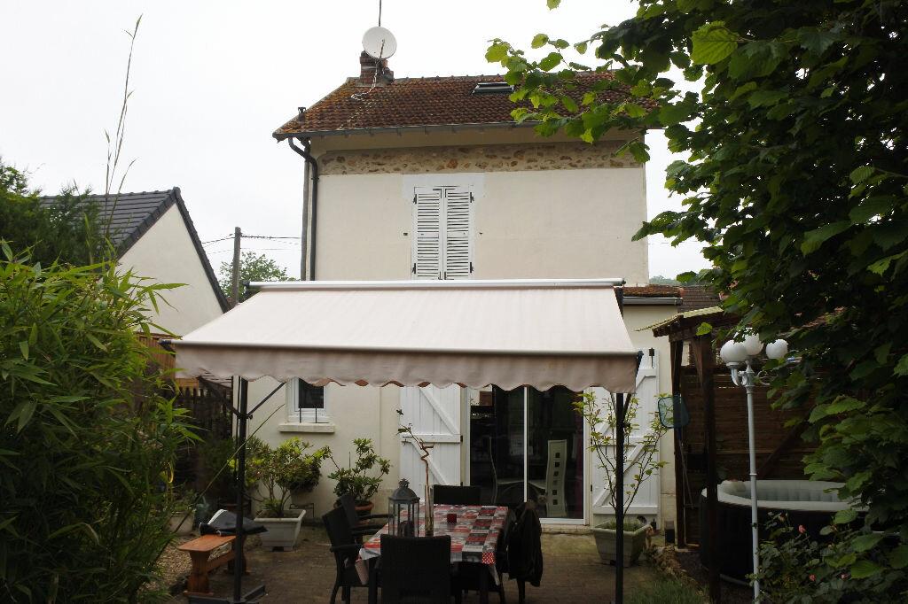 Achat Maison 4 pièces à Saint-Cyr-sur-Morin - vignette-7