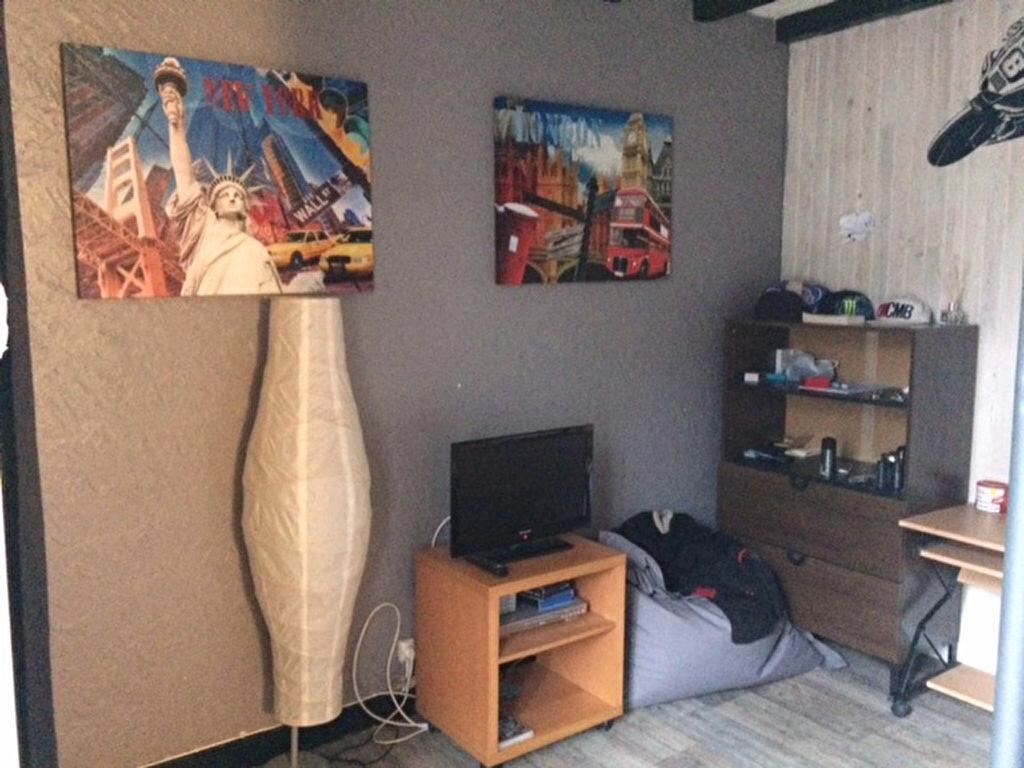 Achat Maison 4 pièces à Saint-Cyr-sur-Morin - vignette-11