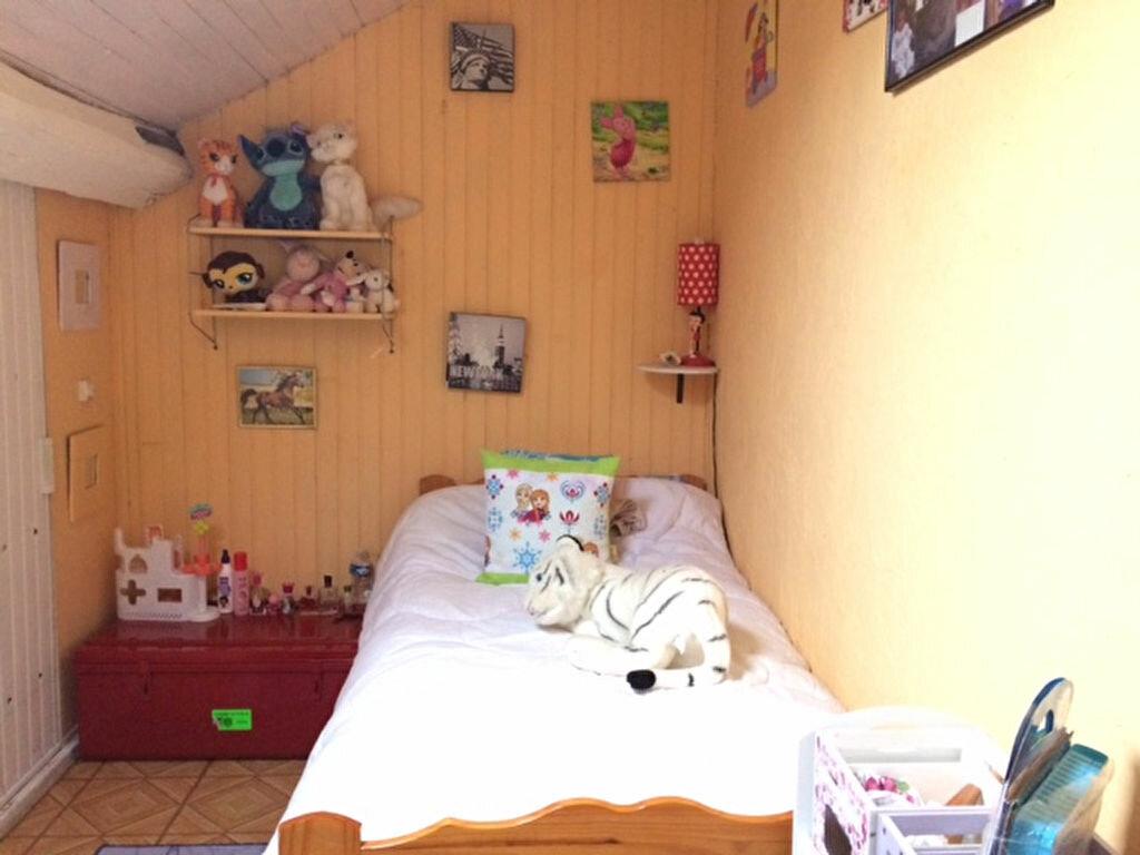 Achat Maison 4 pièces à Saint-Cyr-sur-Morin - vignette-17