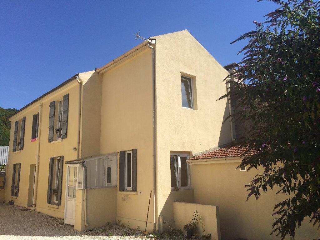 Achat Appartement 3 pièces à La Ferté-sous-Jouarre - vignette-1