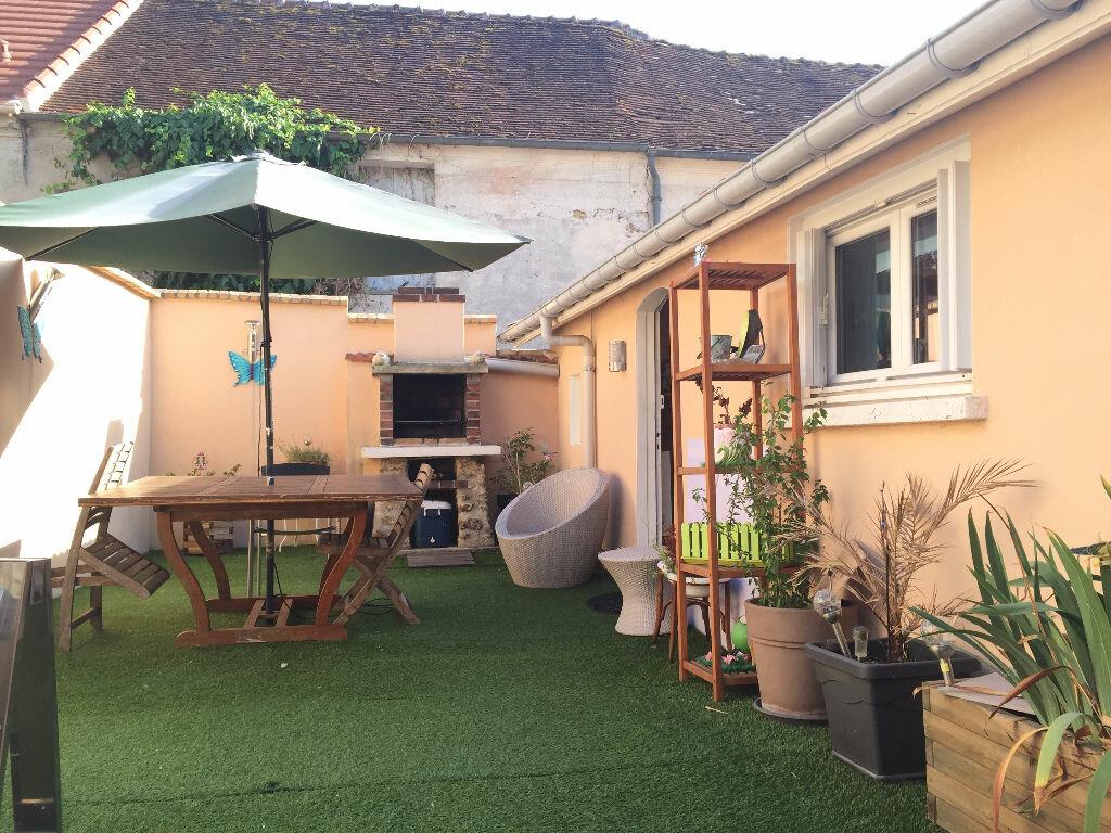 Achat Maison 3 pièces à Saint-Cyr-sur-Morin - vignette-1