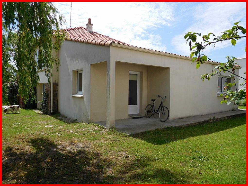 Achat Maison 7 pièces à L'Aiguillon-sur-Mer - vignette-1