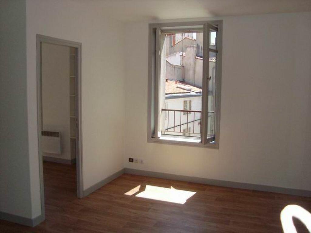 Location Appartement 2 pièces à La Rochelle - vignette-2