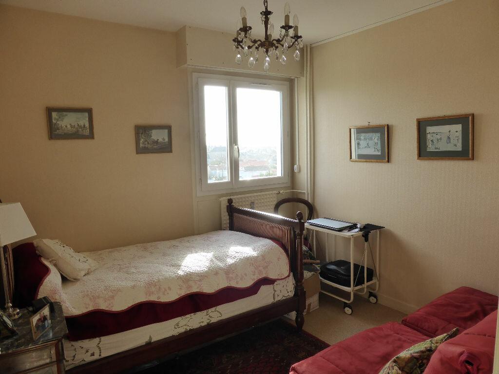 Achat Appartement 5 pièces à La Rochelle - vignette-6