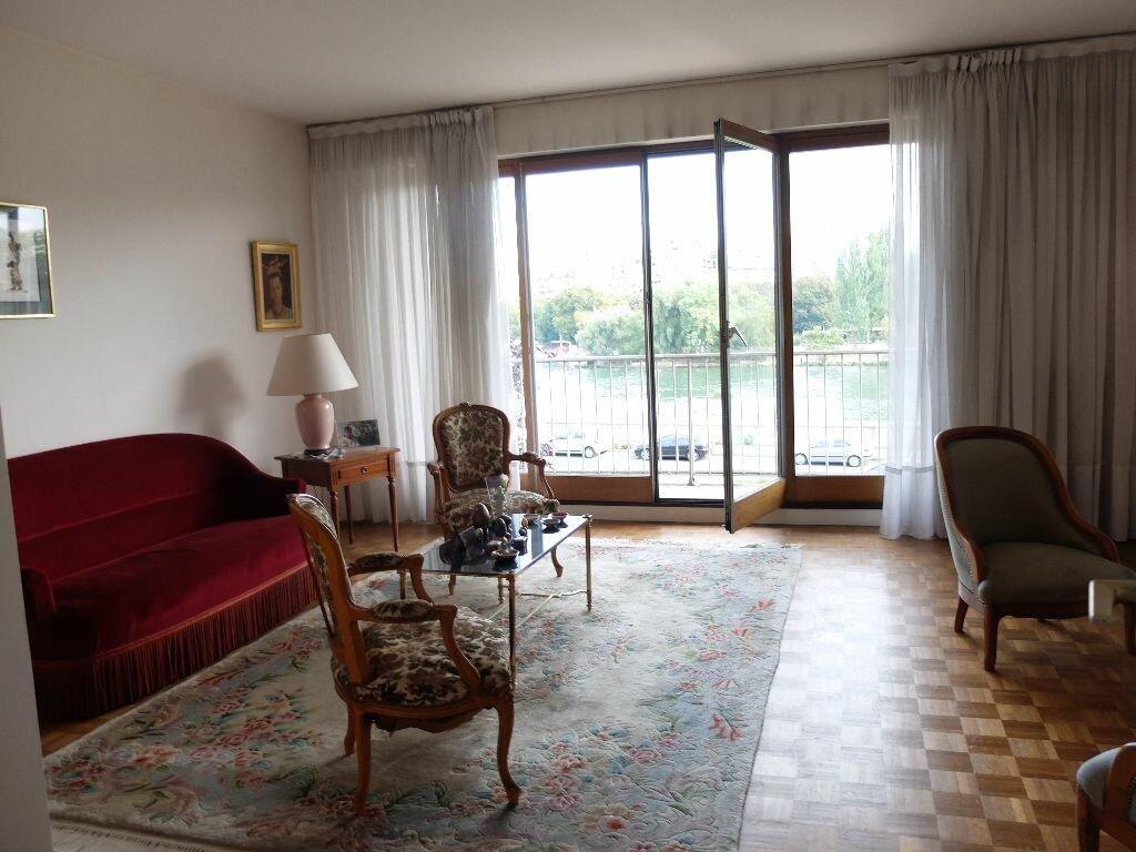 Achat Appartement 4 pièces à Courbevoie - vignette-1