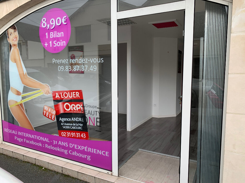 Location Local commercial  à Cabourg - vignette-1