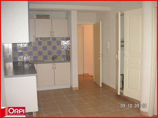Location Appartement 2 pièces à Vinon-sur-Verdon - vignette-1