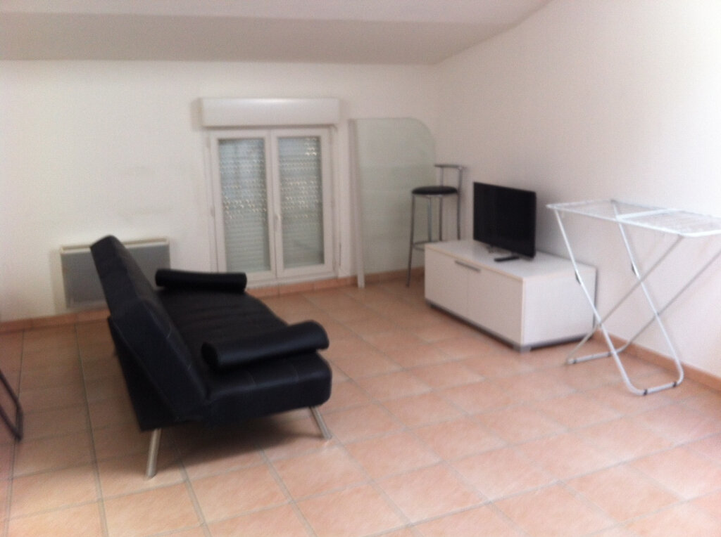Location Appartement 3 pièces à Vinon-sur-Verdon - vignette-1