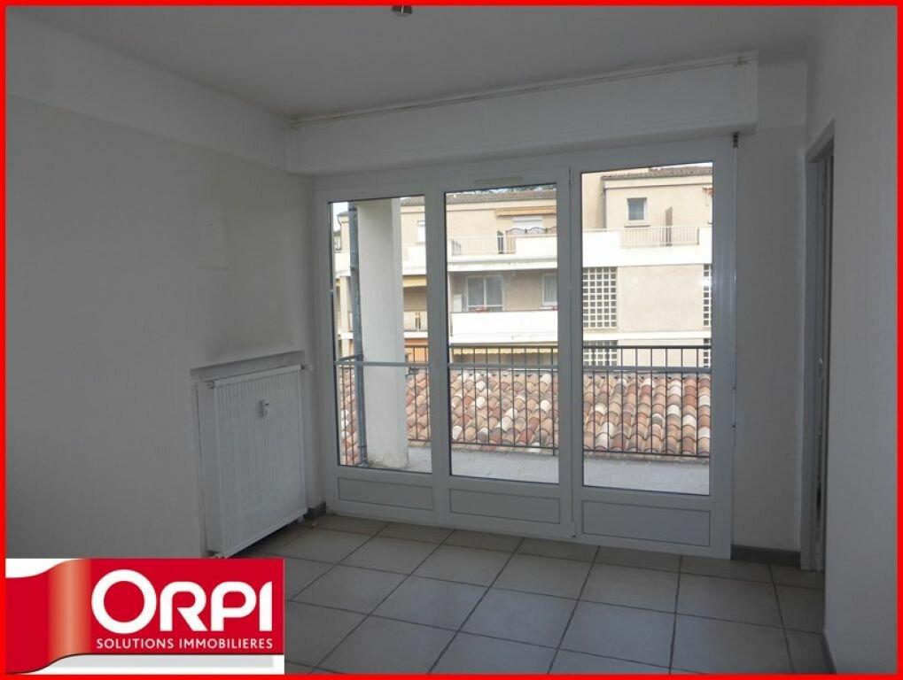 Location Appartement 3 pièces à Gréoux-les-Bains - vignette-1