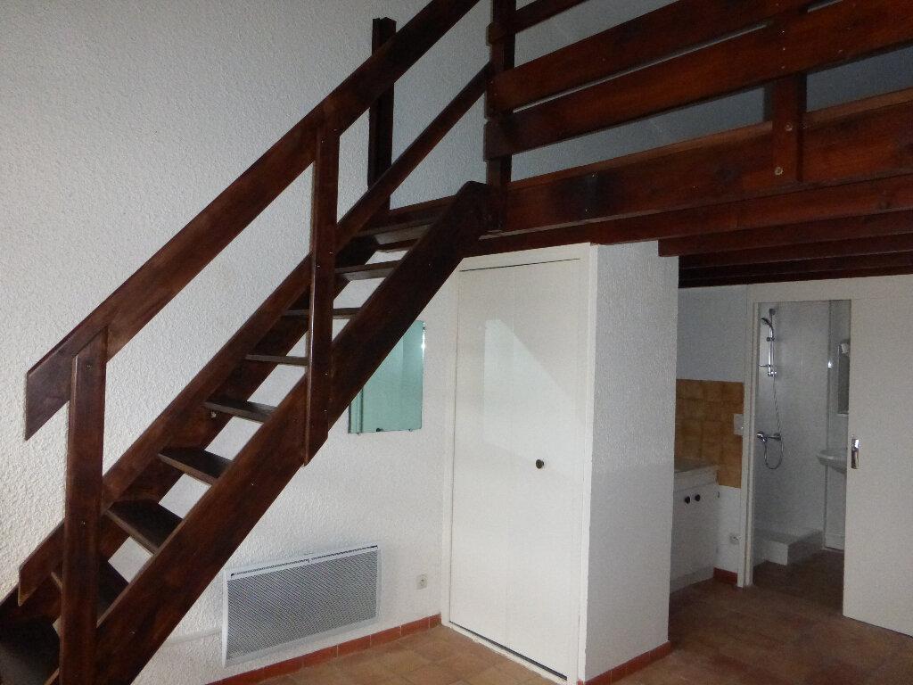 Location Appartement 1 pièce à Gréoux-les-Bains - vignette-3