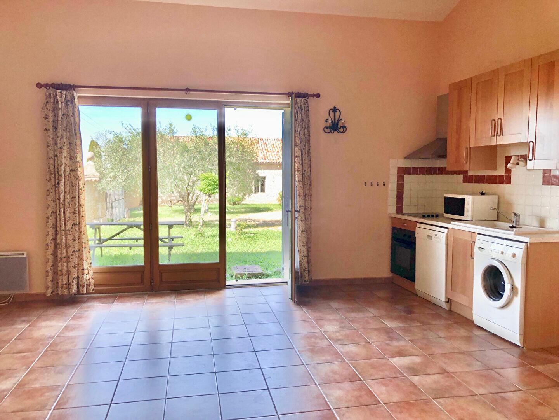 Location Appartement 3 pièces à Brunet - vignette-3