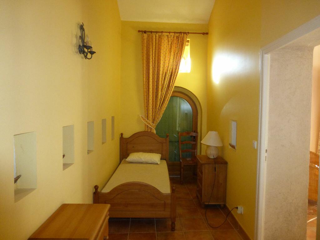 Location Appartement 3 pièces à Brunet - vignette-5