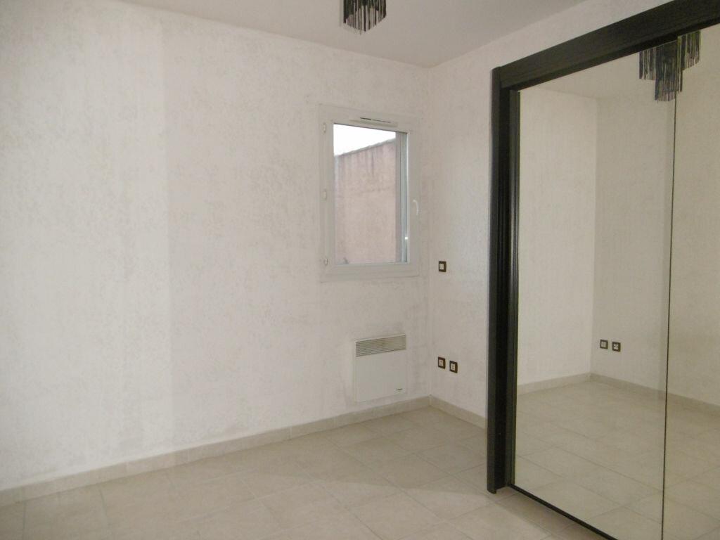 Achat Appartement 2 pièces à Château-Arnoux-Saint-Auban - vignette-2