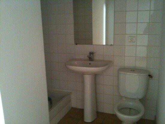 Location Appartement 2 pièces à Pont-Saint-Esprit - vignette-4
