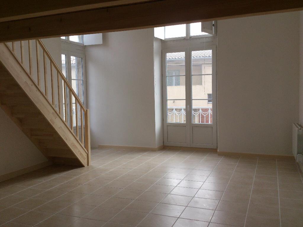 Location Appartement 2 pièces à Pont-Saint-Esprit - vignette-1