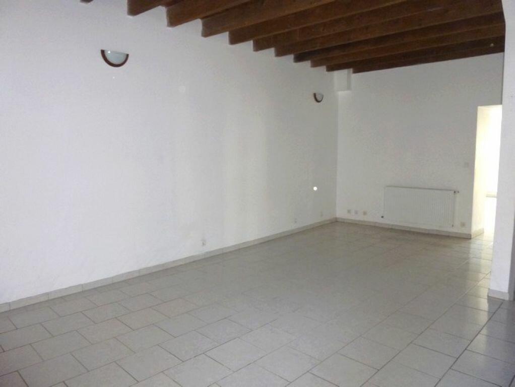 Location Maison 4 pièces à Pont-Saint-Esprit - vignette-3
