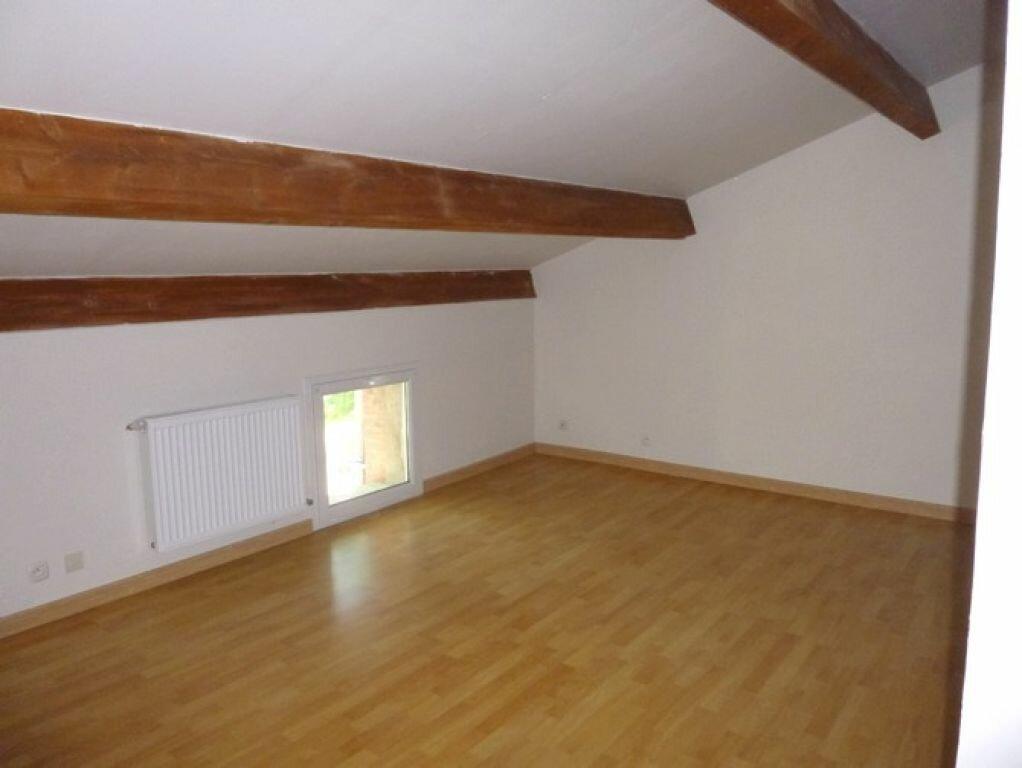 Location Maison 4 pièces à Pont-Saint-Esprit - vignette-4