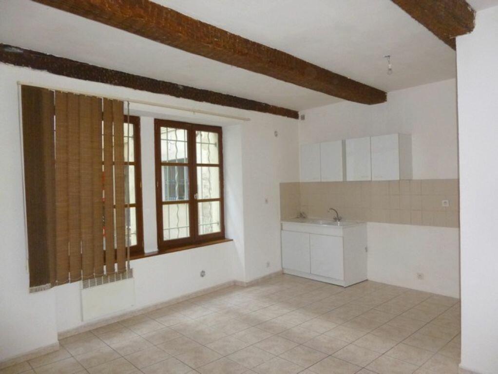 Location Appartement 3 pièces à Pont-Saint-Esprit - vignette-1