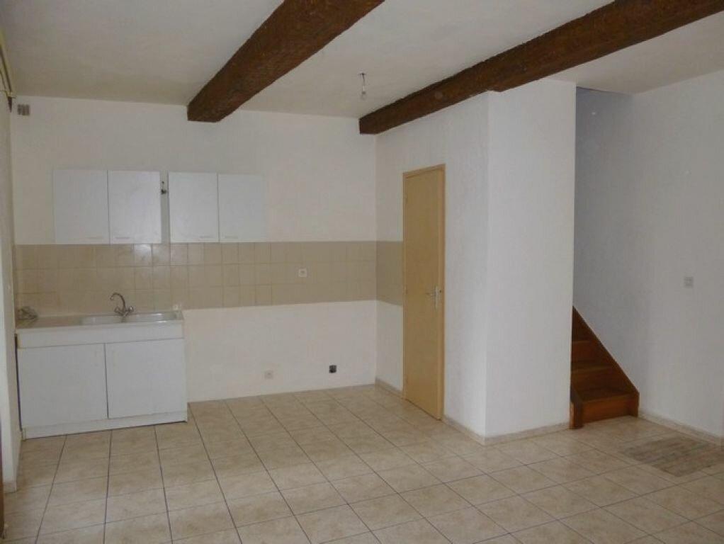 Location Appartement 3 pièces à Pont-Saint-Esprit - vignette-2