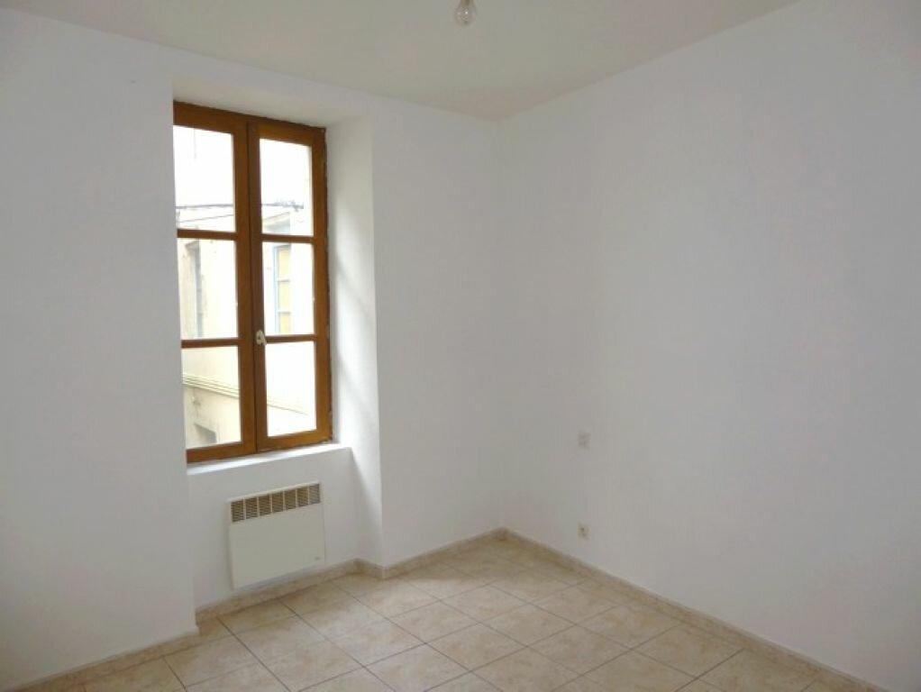 Location Appartement 3 pièces à Pont-Saint-Esprit - vignette-5