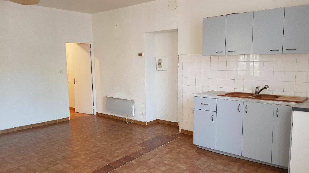 Location Maison 3 pièces à Saint-Paulet-de-Caisson - vignette-2