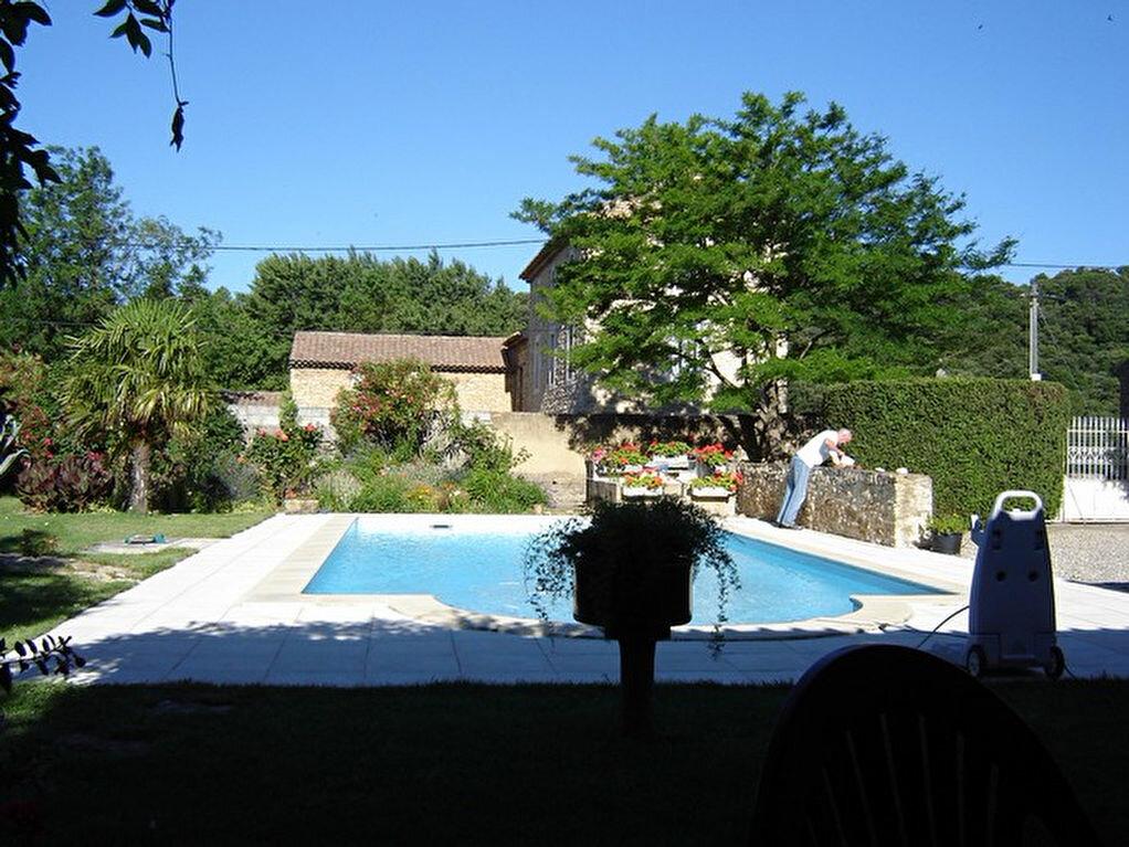 Achat Maison 12 pièces à Saint-Étienne-des-Sorts - vignette-3