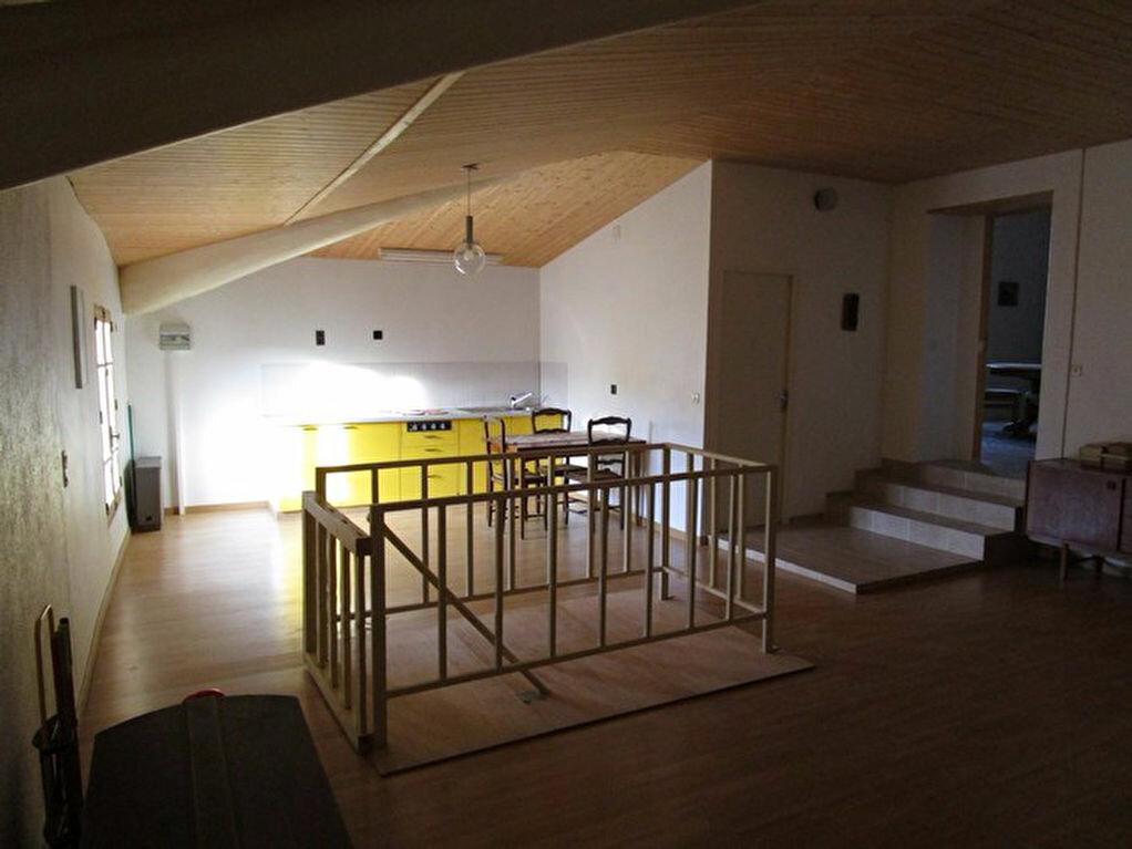 Achat Maison 12 pièces à Saint-Étienne-des-Sorts - vignette-6
