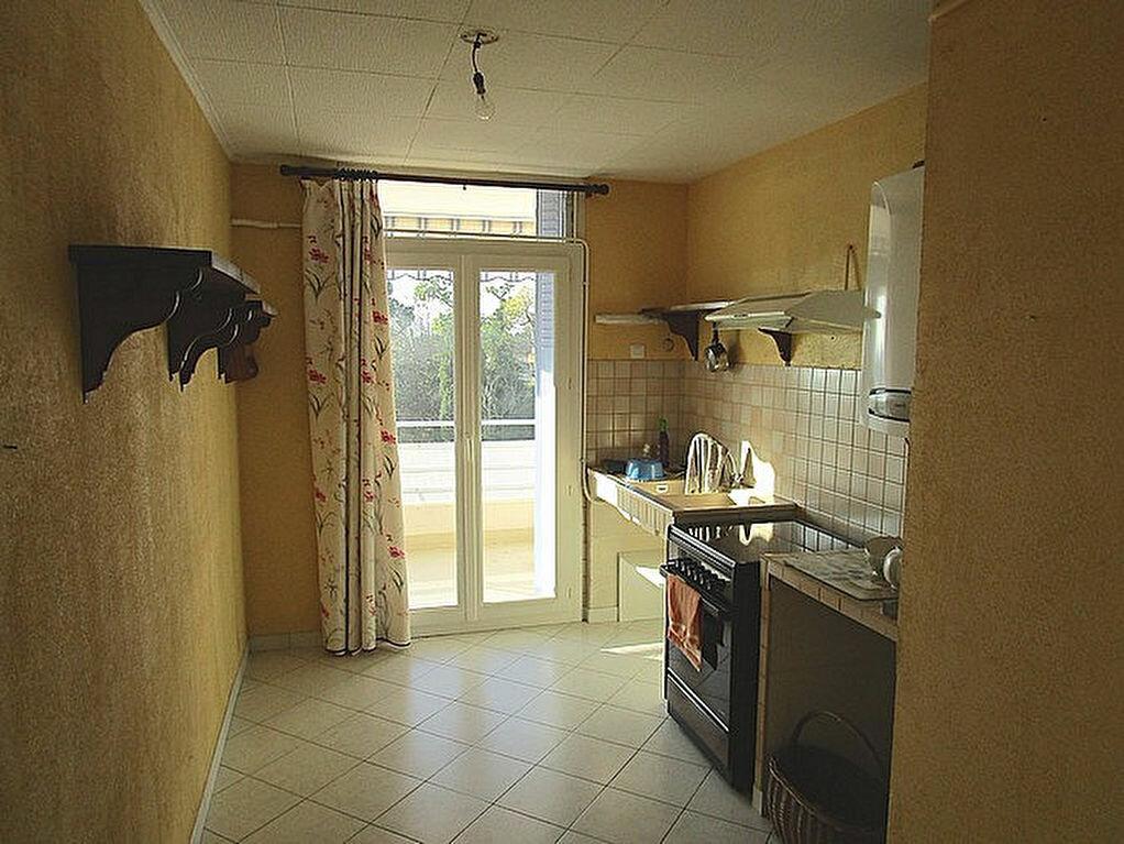 Achat Appartement 4 pièces à Pont-Saint-Esprit - vignette-4