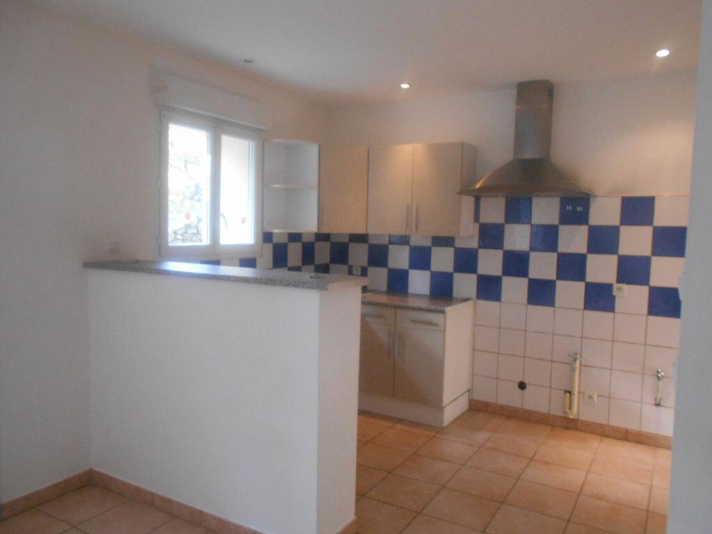 Location Maison 4 pièces à Saint-Alexandre - vignette-3