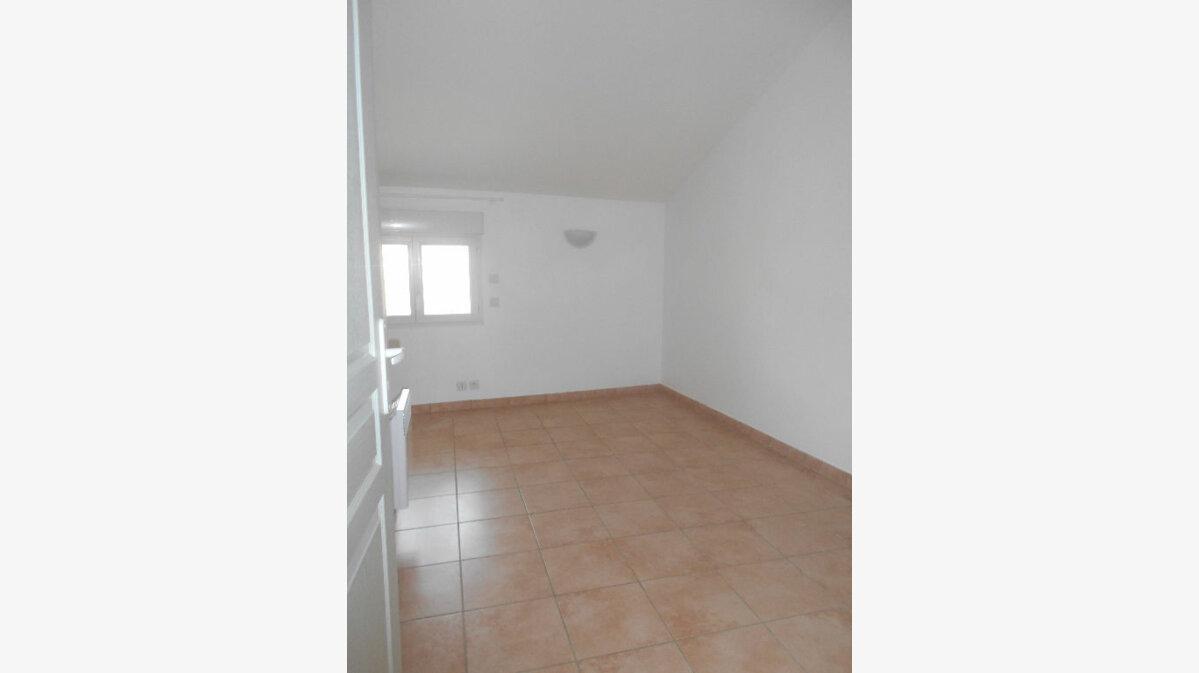 Location Maison 4 pièces à Saint-Alexandre - vignette-6