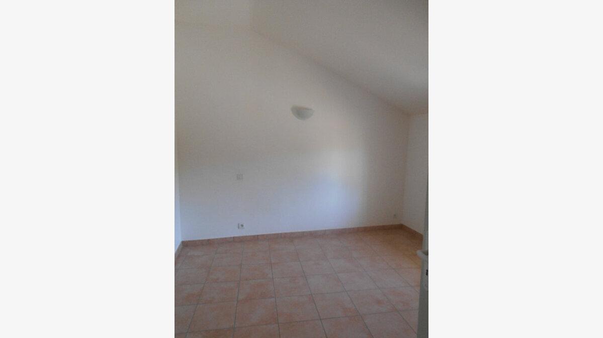 Location Maison 4 pièces à Saint-Alexandre - vignette-7