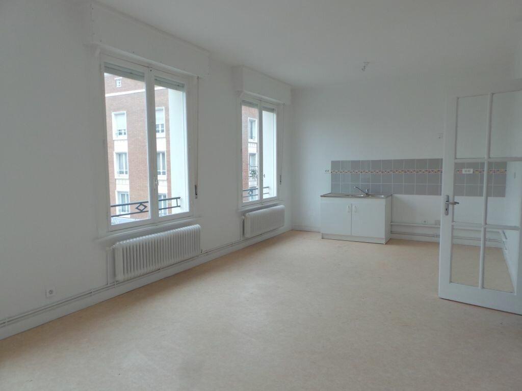 Location Appartement 4 pièces à Douai - vignette-1