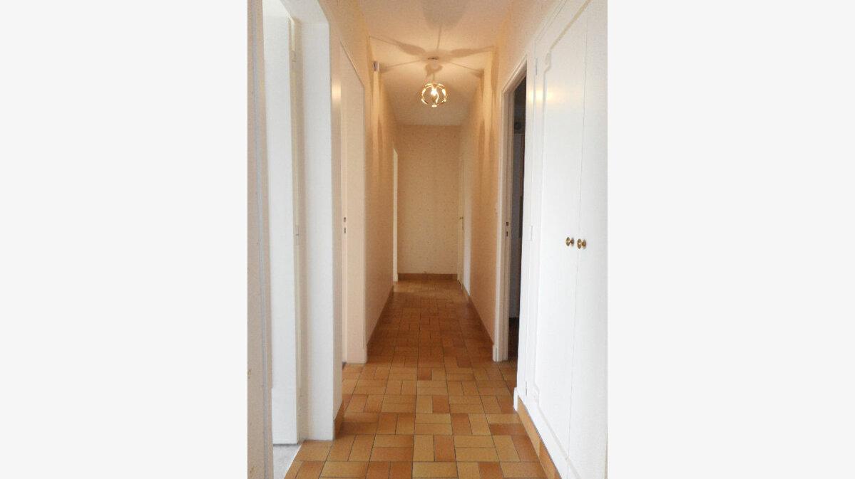 Achat Appartement 4 pièces à Douai - vignette-3