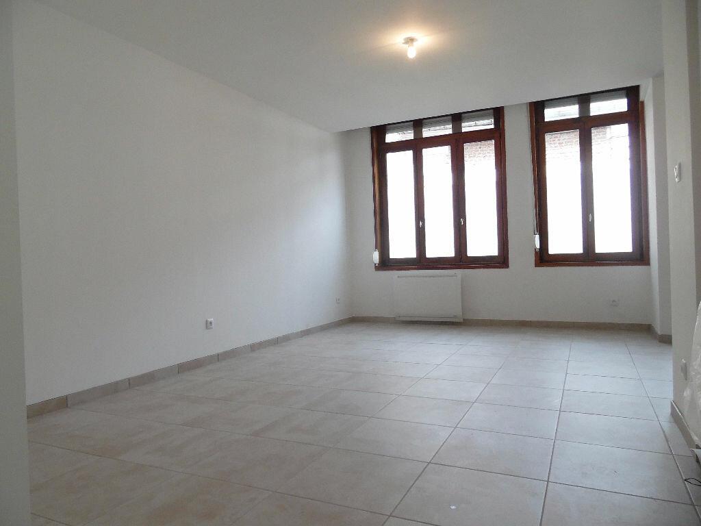 Location Appartement 3 pièces à Douai - vignette-1