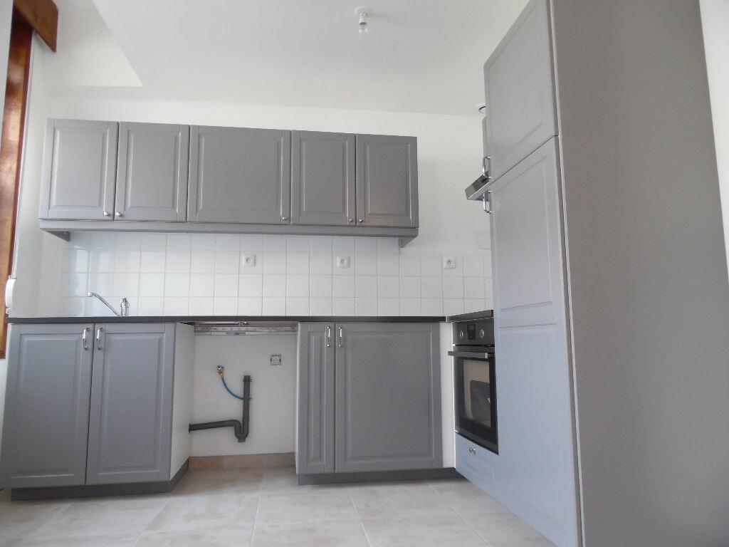 Location Appartement 3 pièces à Douai - vignette-2
