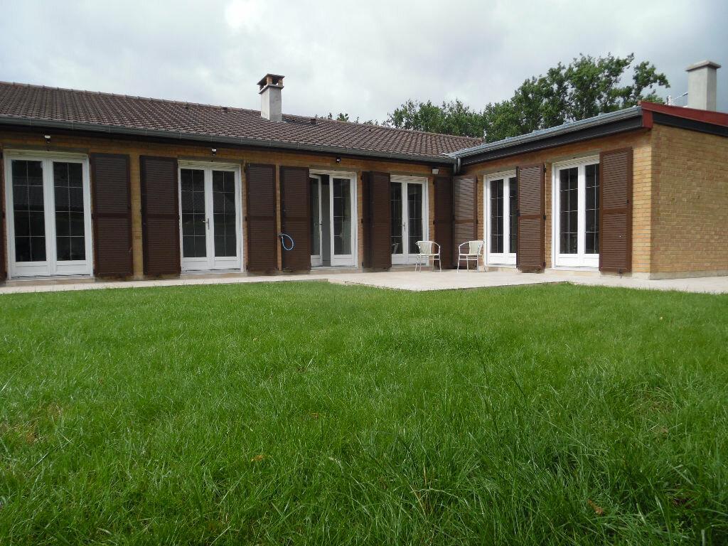 Location Maison 7 pièces à Lambres-lez-Douai - vignette-1