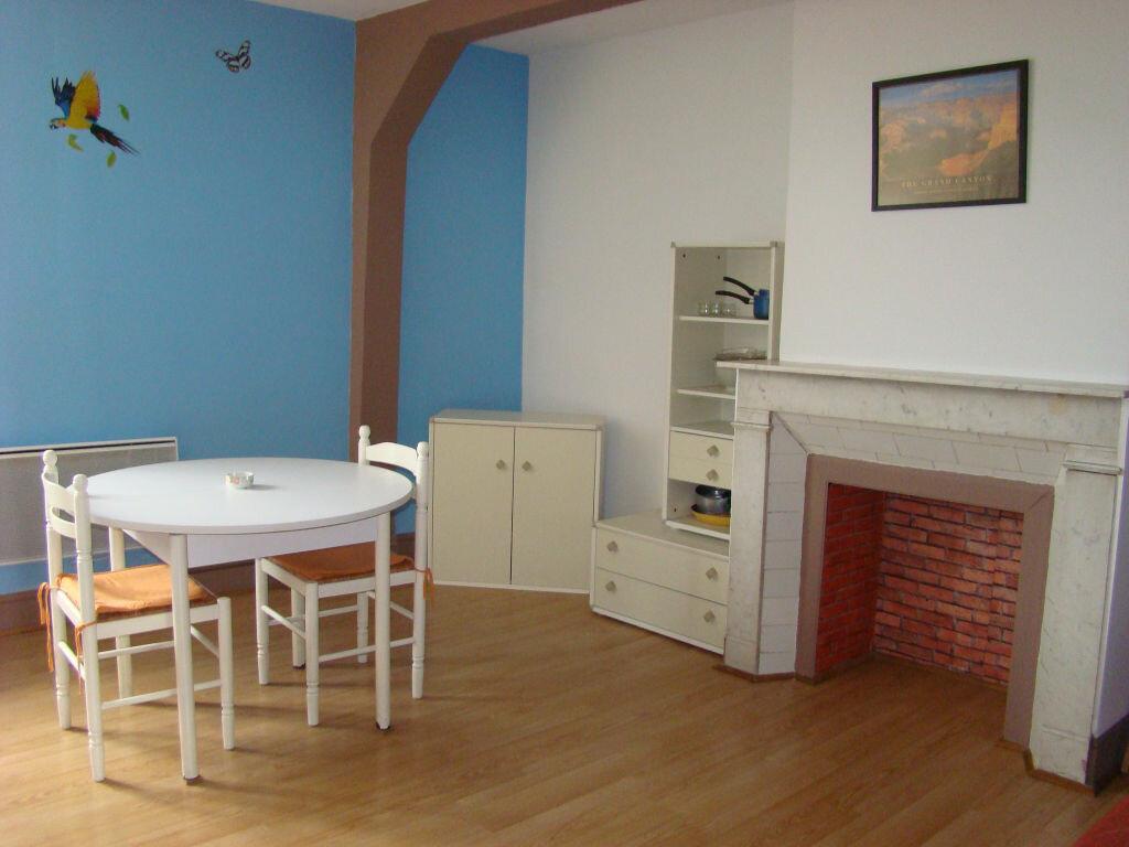 Location Appartement 1 pièce à Hesdin - vignette-1
