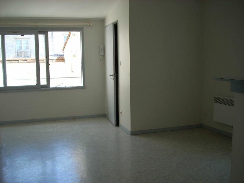 Location Appartement 2 pièces à La Rochelle - vignette-3