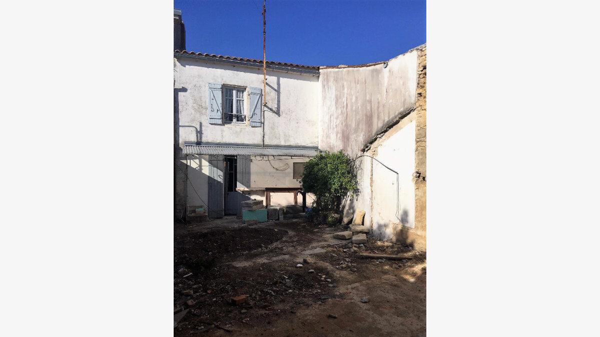 Achat Maison 4 pièces à Sainte-Soulle - vignette-1