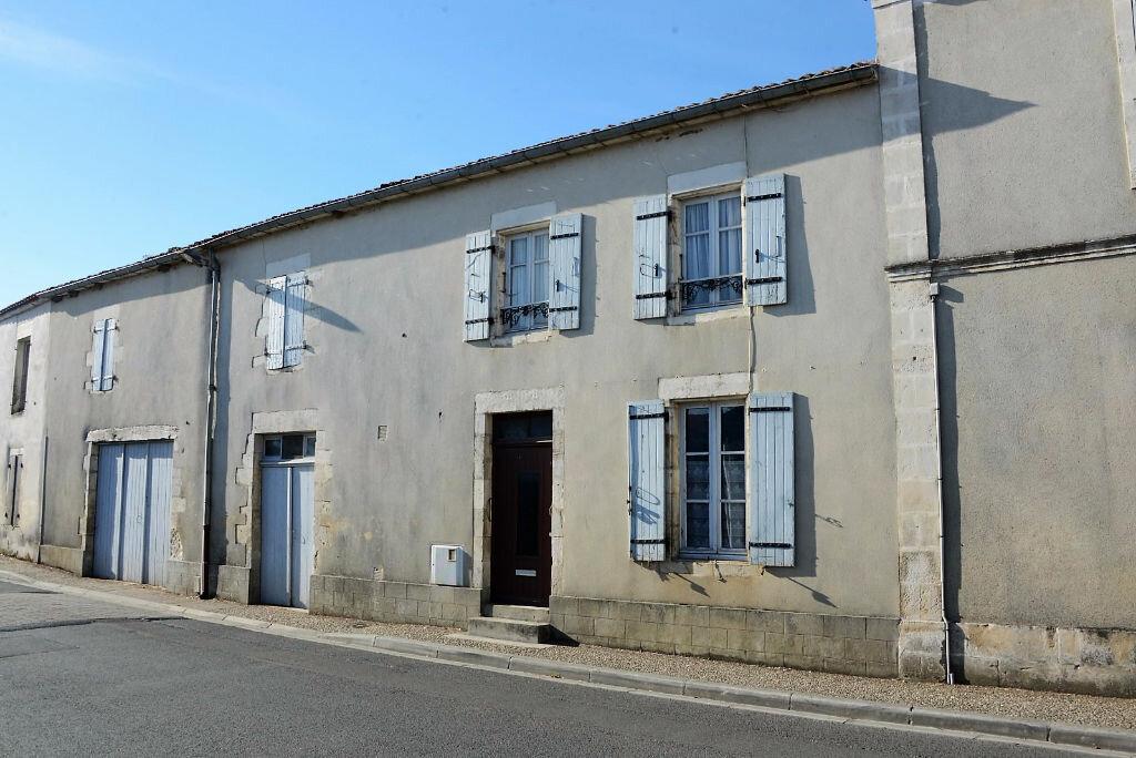 Achat Maison 4 pièces à Sainte-Soulle - vignette-2