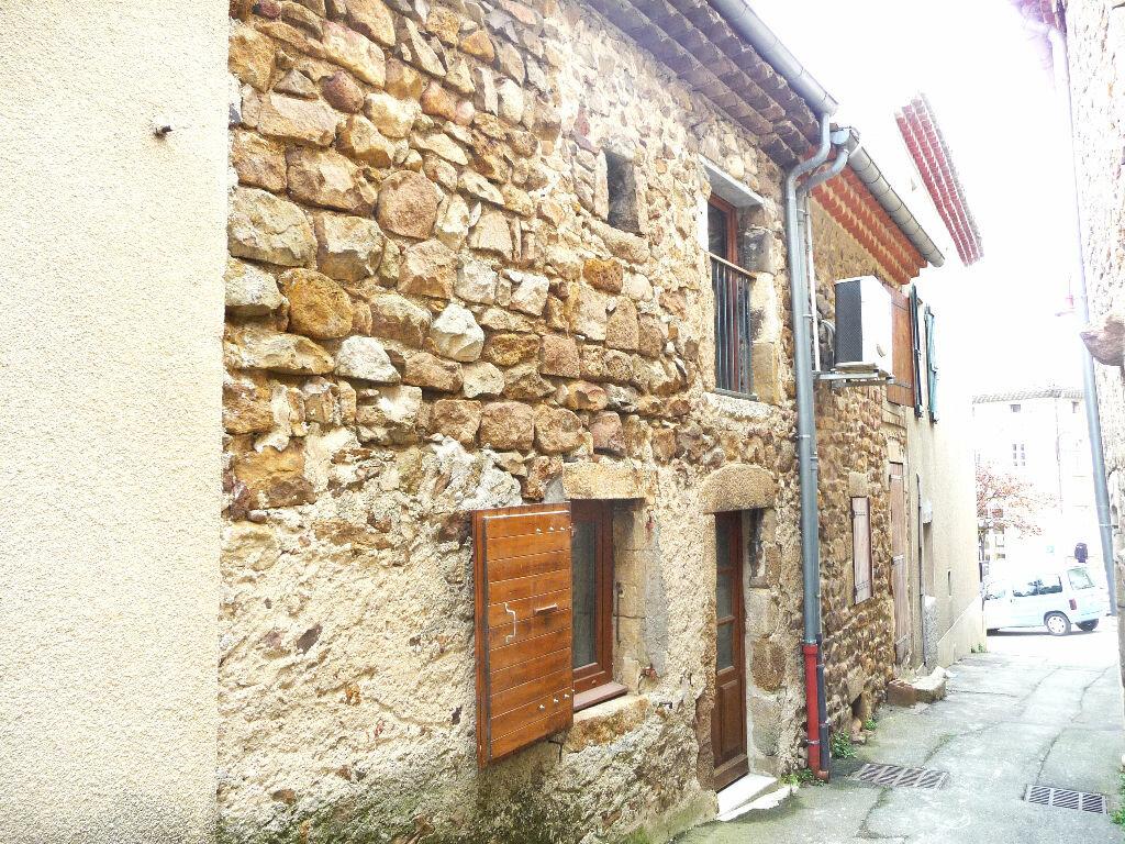 Location Maison 3 pièces à Saint-Georges-les-Bains - vignette-1
