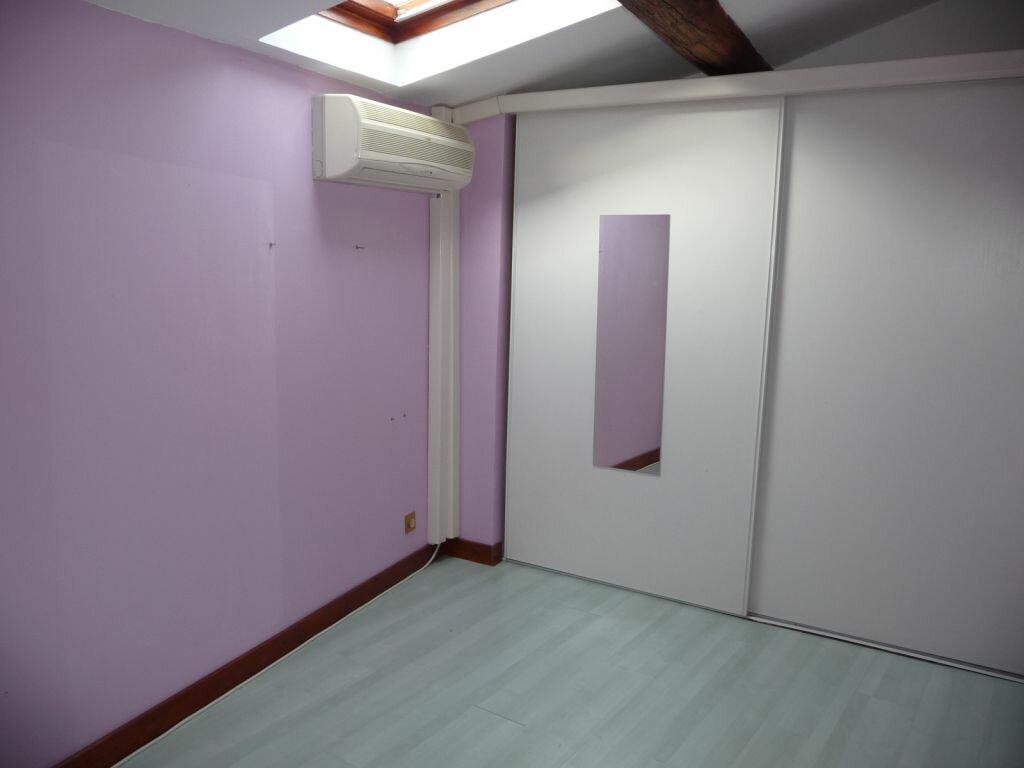 Location Maison 4 pièces à Saint-Georges-les-Bains - vignette-4