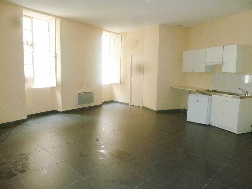 Location Appartement 1 pièce à Loriol-sur-Drôme - vignette-1