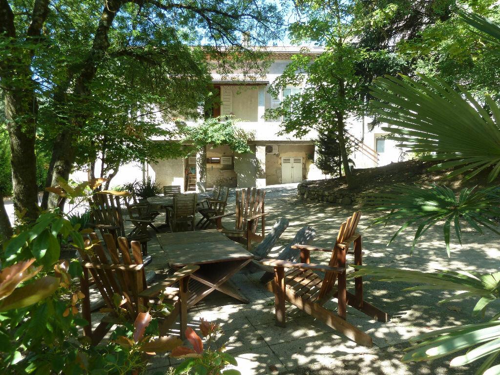 Achat Appartement 9 pièces à Saint-Julien-en-Saint-Alban - vignette-1