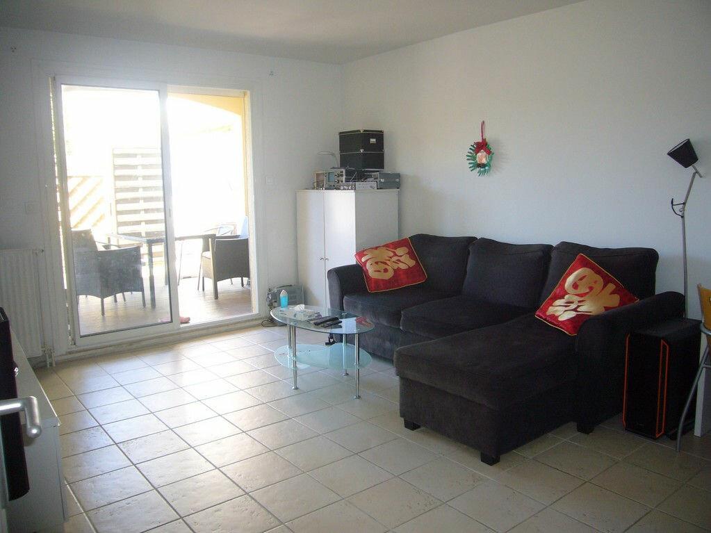 Achat Appartement 4 pièces à Saint-Cyr-sur-Mer - vignette-3